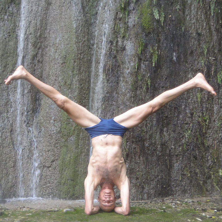 Eyal Shifroni yoga